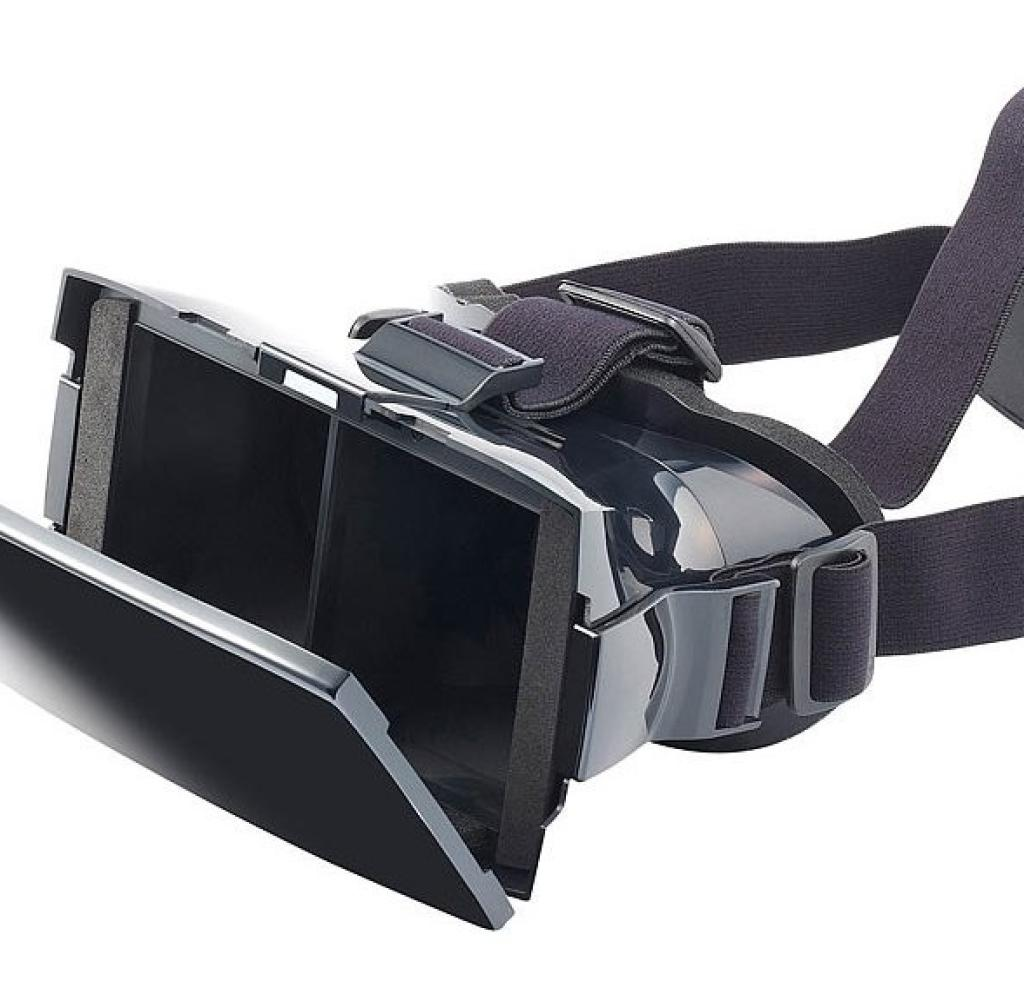 Pearl VRB60. 3D: Pearl also offers a replica of the Samsung Gear VR. For the VRB60. 3D, however, you only pay a tenth of the price that Samsung calls up with 19.90 euros. But the quality of the glasses in front and behind is not right. The workmanship looks cheap, the frame sits uncomfortable, and the image is blurry.